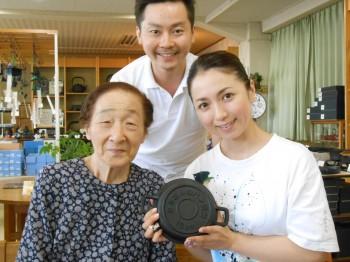 そして、タミさんのパン焼器をお買い求めいただいた東京からいらっしゃったT様ご夫妻と記念写真を。