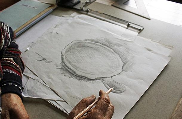 廣瀨さんが描いた鉄鍋のスケッチ