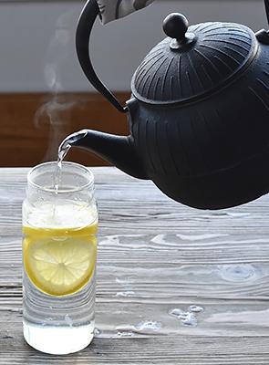 鉄瓶で愉しむ白湯のすすめ